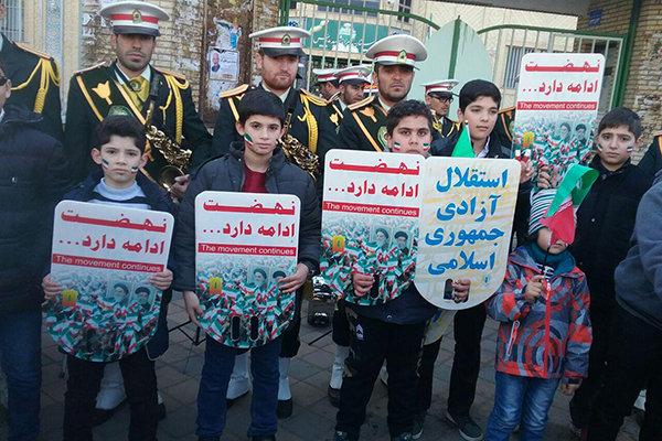 حضور در راهپیمایی ۲۲ بهمن پاسخ کوبنده برابر عربدهکشی آمریکا است